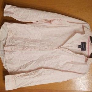 Women's pink Wrangler button up shirt